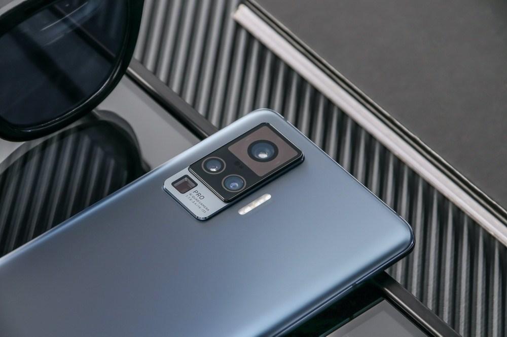 4 加入雲台結構相機設計的vivo X50系列手機登場,下半年進駐國際市場