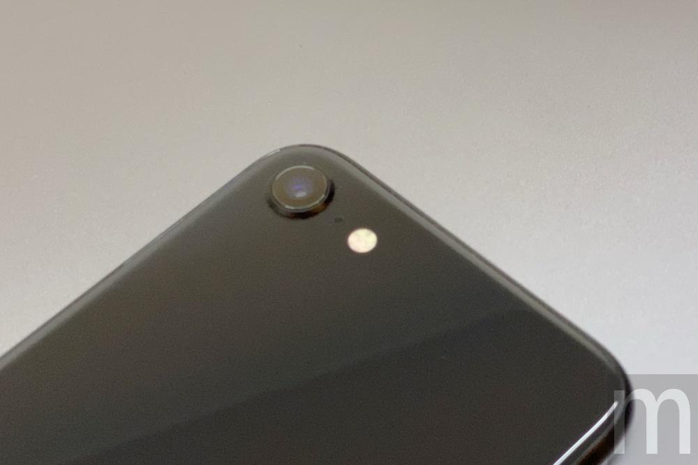batch IMG 3063 動眼看/以iPhone 8為基礎的新款iPhone SE,與第一款設計比較