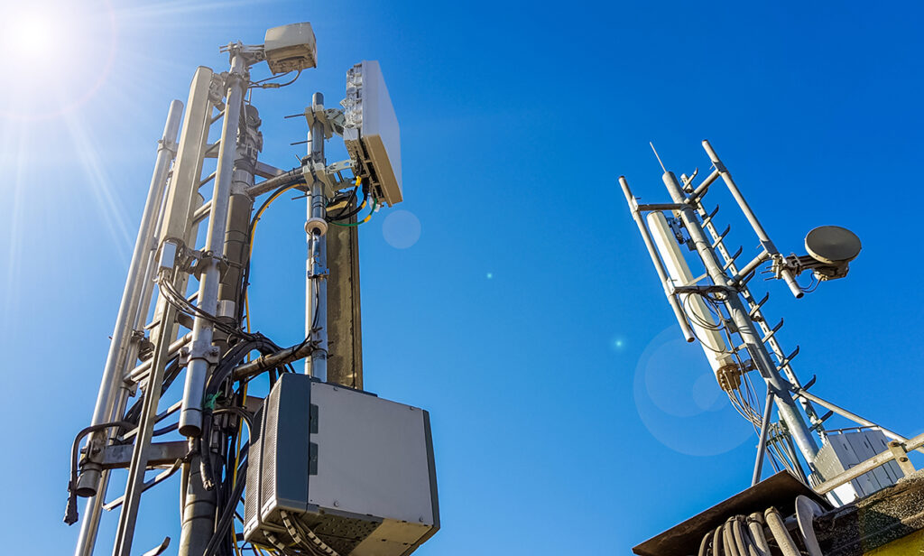 繼英國之後,荷蘭鄉民也以危害健康與隱私為由燒毀5G網路基地台