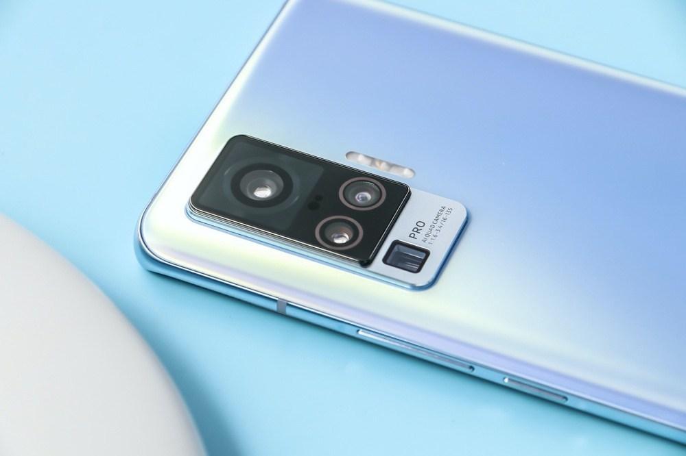 5 加入雲台結構相機設計的vivo X50系列手機登場,下半年進駐國際市場