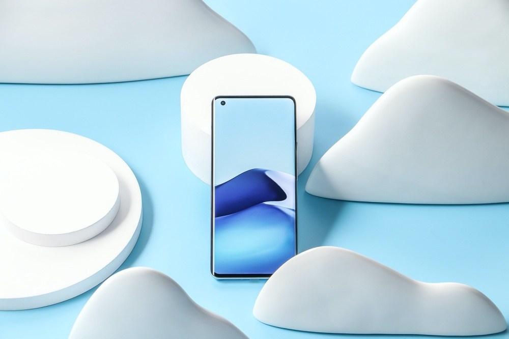 2 加入雲台結構相機設計的vivo X50系列手機登場,下半年進駐國際市場