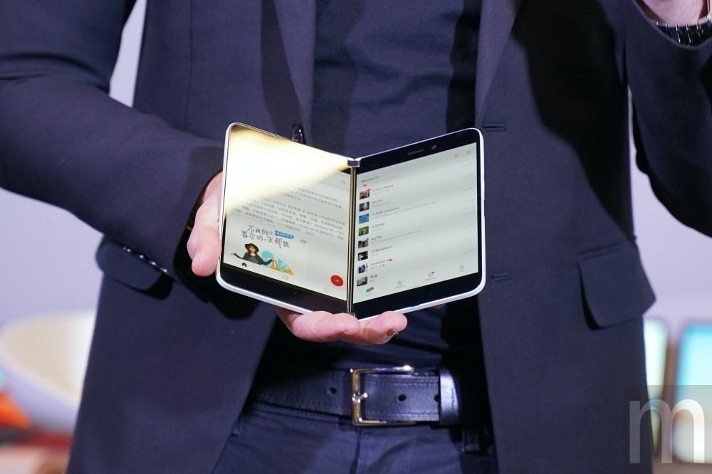 DSC05844 消息指稱微軟雙螢幕手機Surface Duo最快8月上市