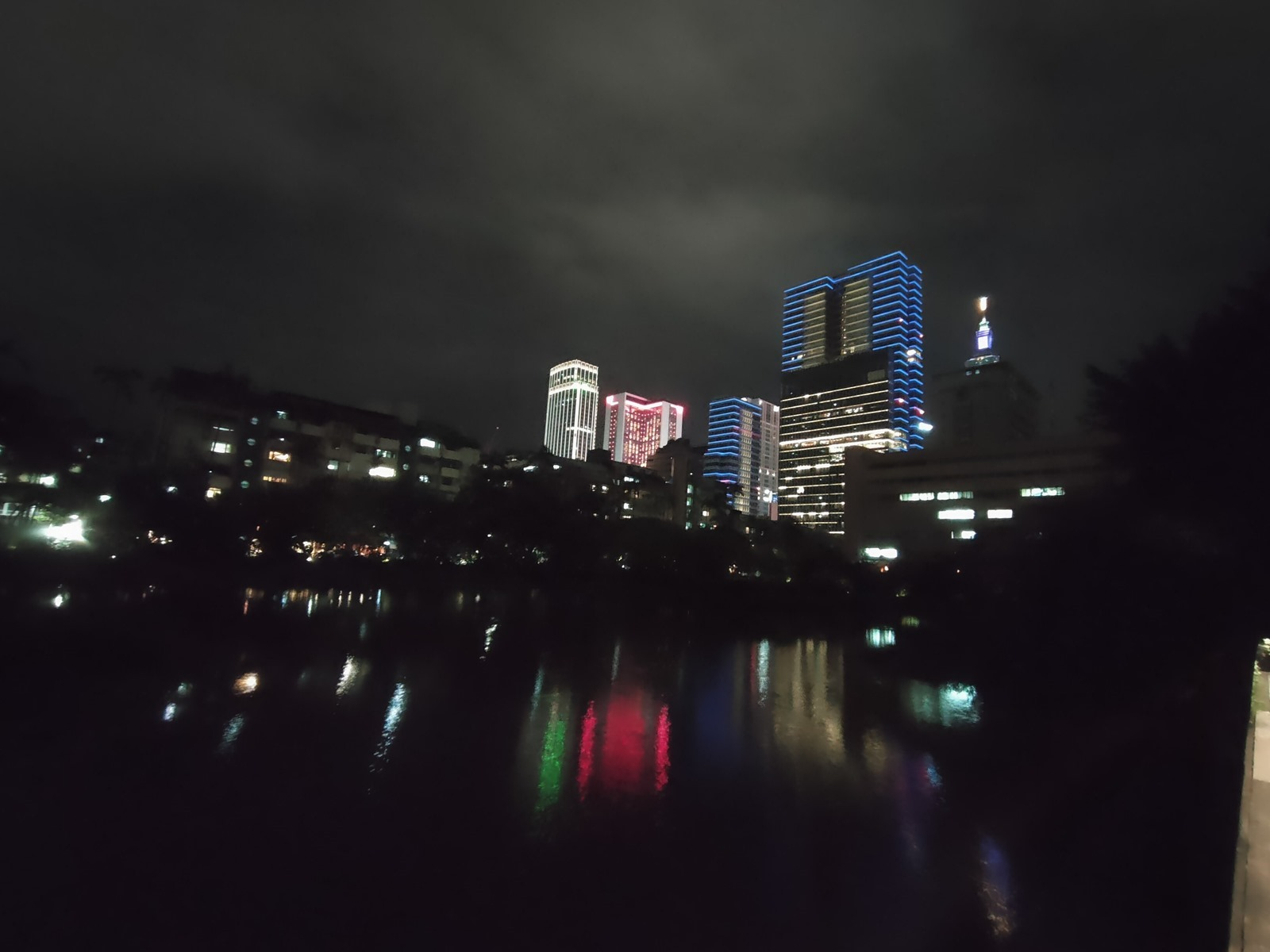 OPPO Reno4 香芋紫開箱分享 / 性能測試 / 電力續航 / 相機實拍分享 @3C 達人廖阿輝
