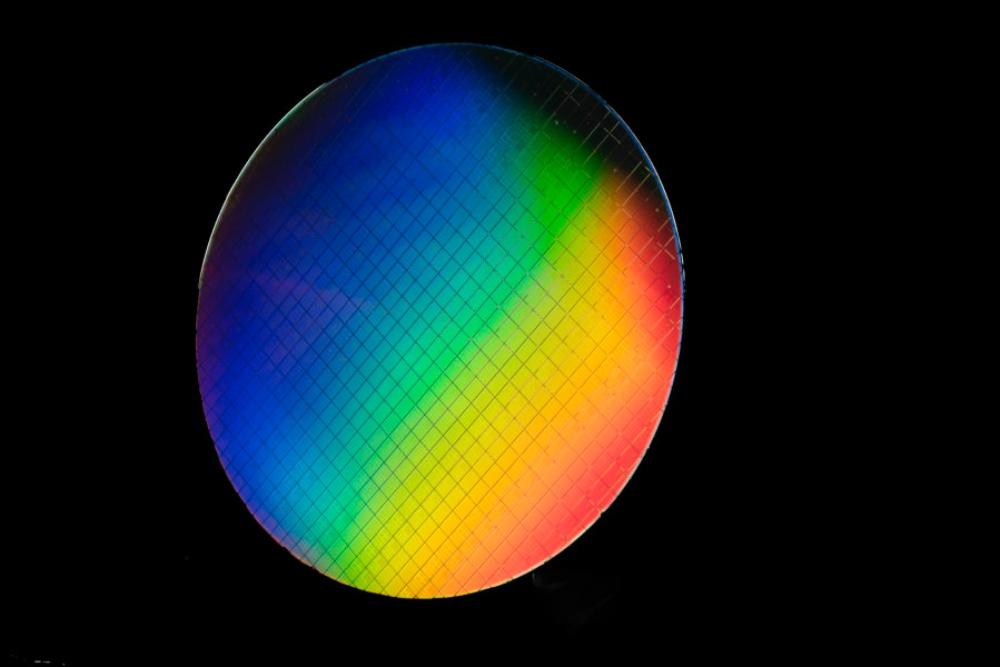 Spin Qubit Intel 1 899x600 1 Intel與QuTech實現在「高溫」下順利控制量子位元處理