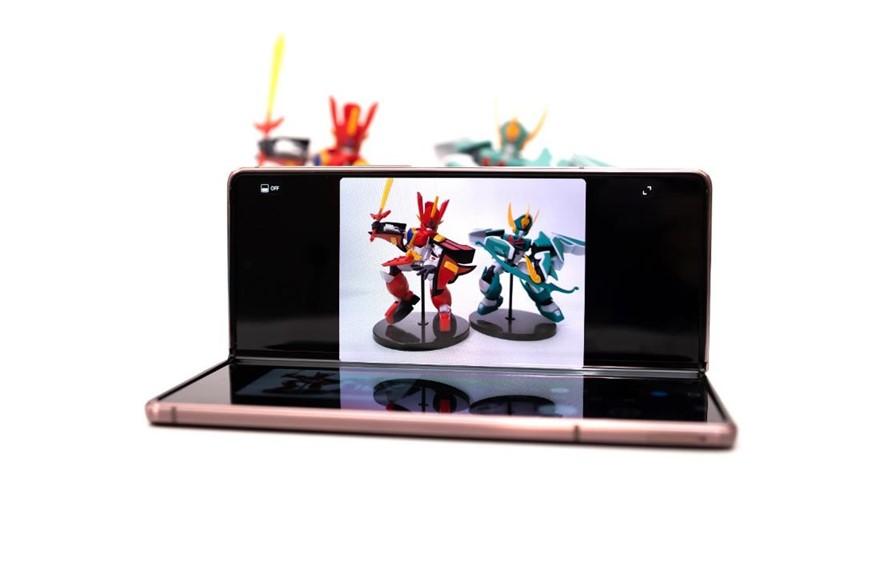 踏近未來的旗艦機!三星 Galaxy Z Fold2 5G 開箱評測!(開箱/性能/電力/相機)@3C 達人廖阿輝