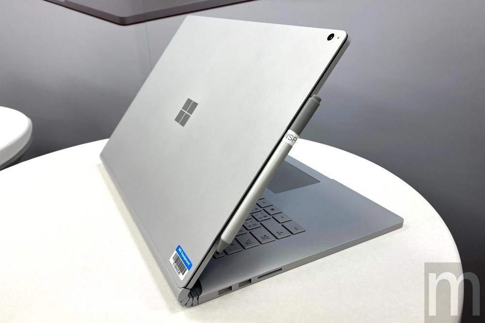 IMG 4092 Surface Pro X之後,微軟也在台灣引進Surface Go 2及Surface Book 3