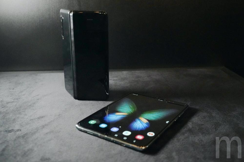 Fold 20 三星將透過調整規格、元件方式讓新款螢幕可凹折手機更便宜