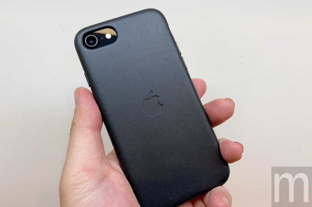 batch IMG 3075 動眼看/以iPhone 8為基礎的新款iPhone SE,與第一款設計比較