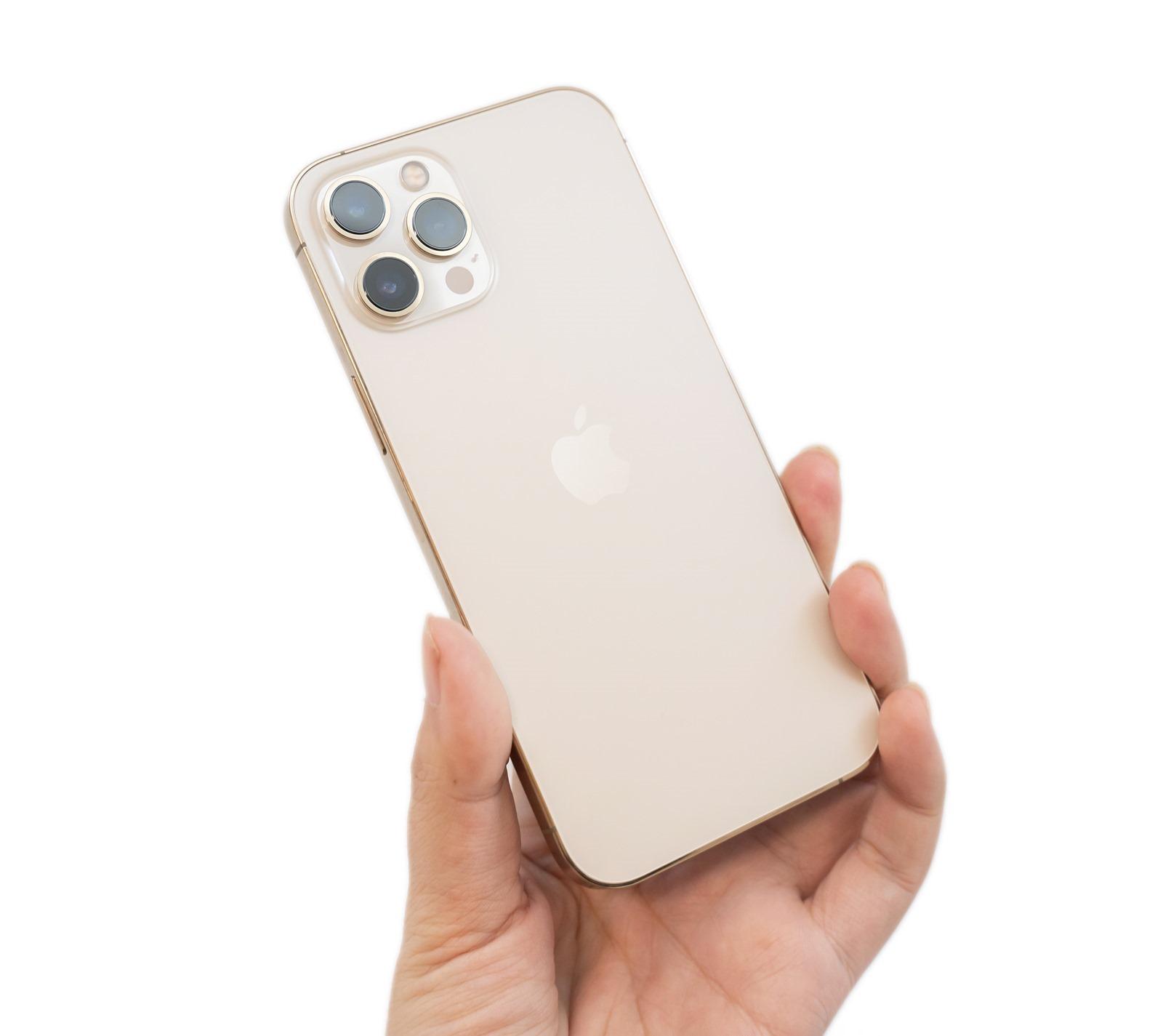 最強最大 iPhone 12 Pro Max 開箱!6.7 吋大螢幕與全新感光元件 (Apple iPhone 12 Pro Max 金色機) + 性能電力/充電實測 @3C 達人廖阿輝