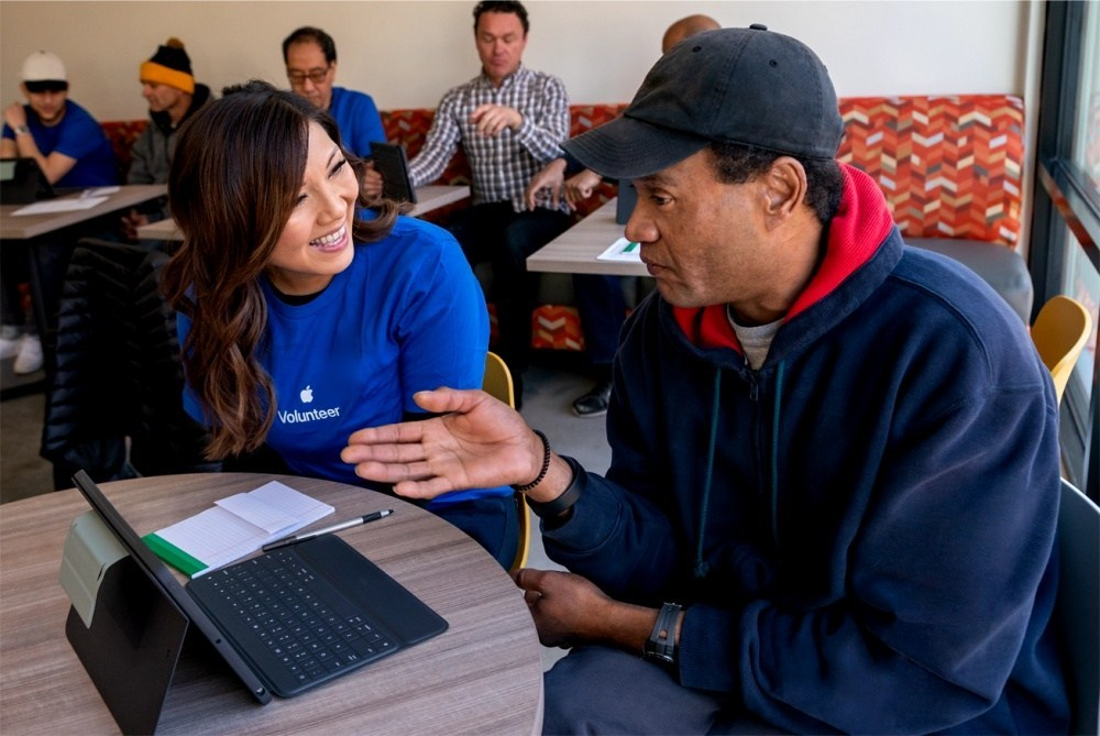 apple housing initiative update mlk service 07132020 inline.jpg.large 2x 蘋果提撥4億美元資金協助加州境內首次購房需求,Google提供線上學習認證增加就業機會