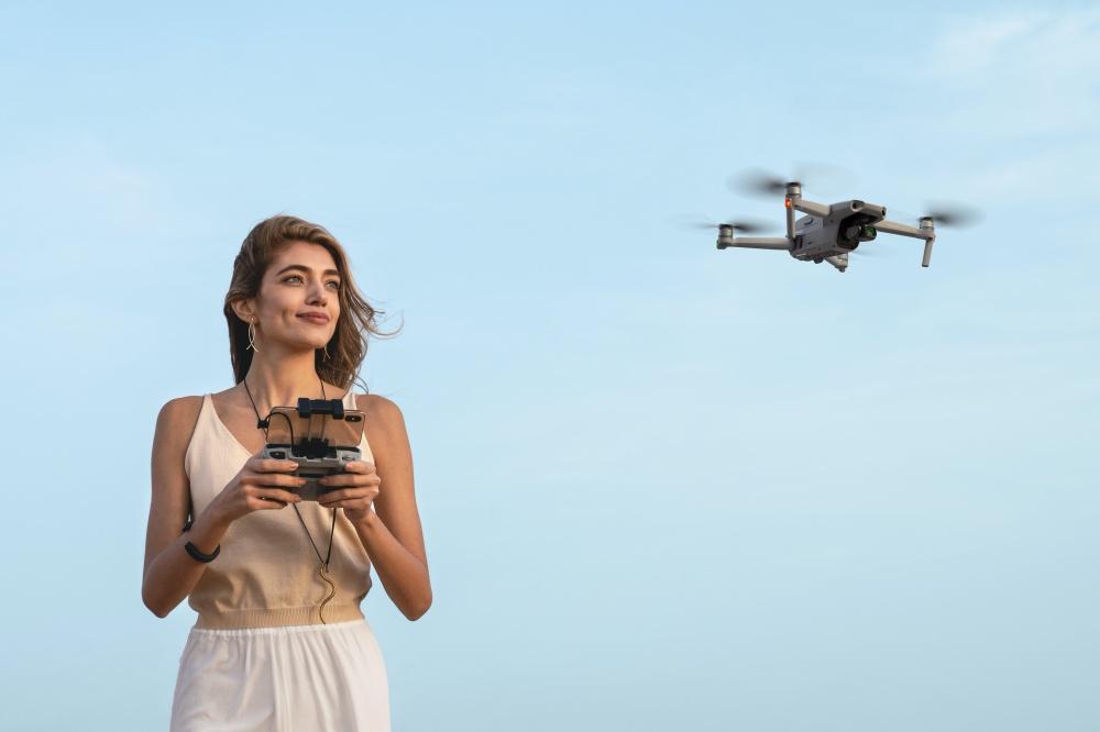 Lifestyle 8 換上全新鏡頭設計、滯空飛行時間更持久的Mavic Air 2揭曉