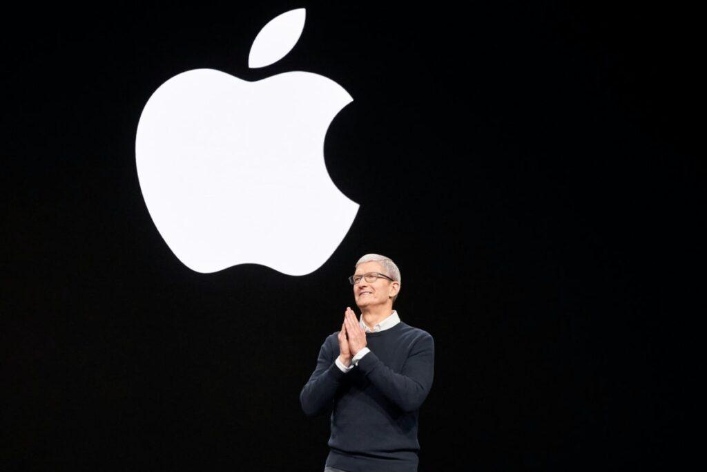 Apples keynote event Tim Cook 03252019 e1570520284386 1024x683 蘋果新一季財報淨利衰減,但服務獲利因為疫情影響而有成長