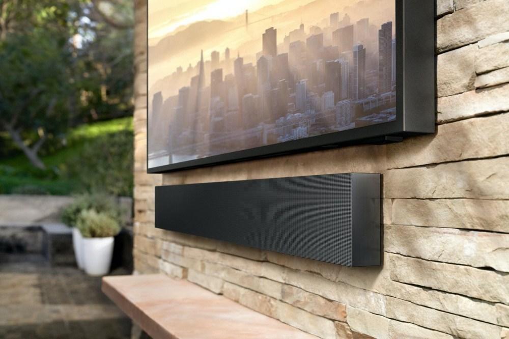 2020 The Terrace 4 針對戶外使用需求,三星推出亮度可達2000nits的The Terrace風格電視